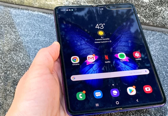 Samsung reportedly recalls Galaxy Fold review units